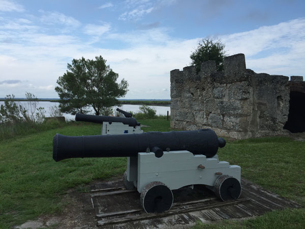 Fort_Frederica_Cannons