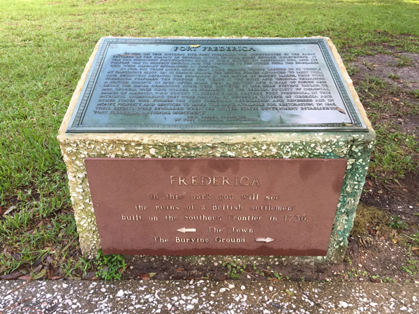 Fort_Frederica_junior_ranger_sign